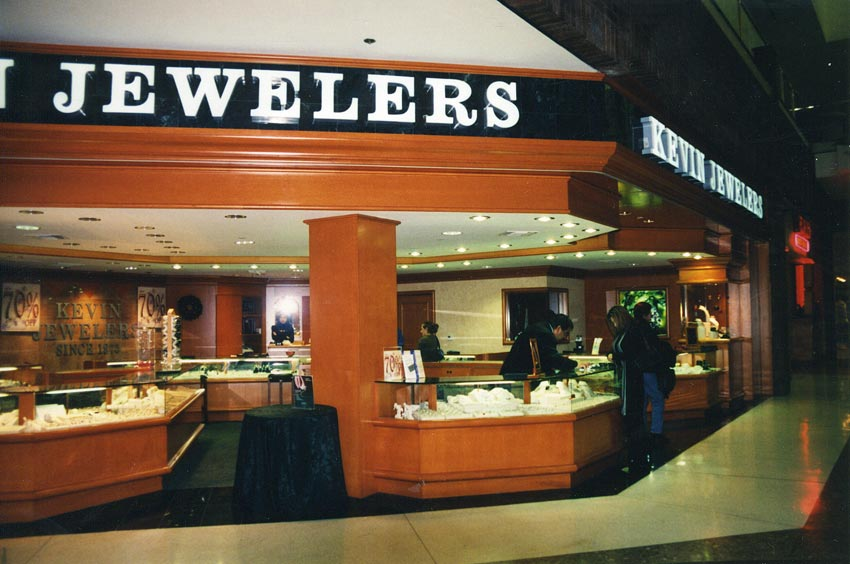 Gold jewelry stores valley plaza mall for A good jewelry store